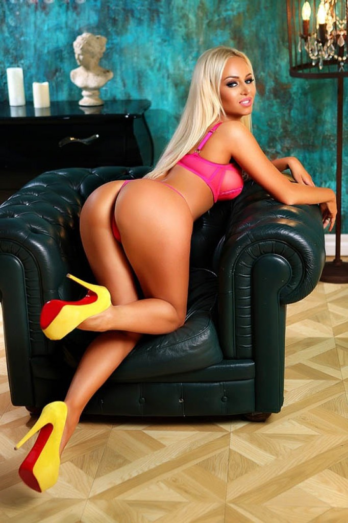 Escort in Larnaca - Eva
